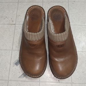 """Ladies Ugg """"Gael"""" Lined Leather Wedge Clogs"""